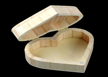 Cover Top Heart Shaped Wooden Box , Wooden Crate Gift Box For Rings Wedding Gift